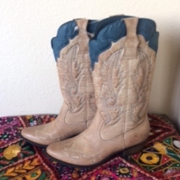 817c4cdd392a Coconuts by Matisse Shoes - NEW Coconuts by Matisse Cowboy Boots, Sz 8